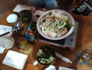 元気鮪のマグロキムチともつ鍋
